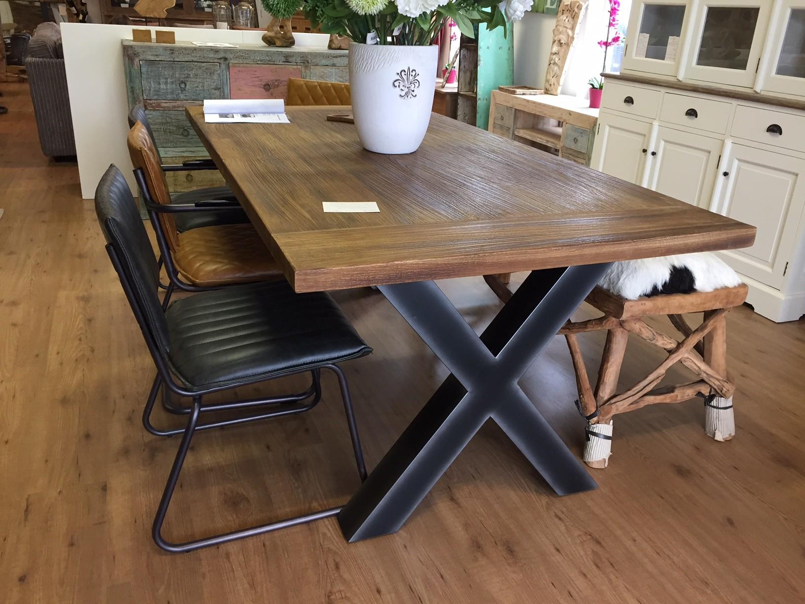 Teak Tafels Haarlem : Teak eettafel met stalen kruis poot