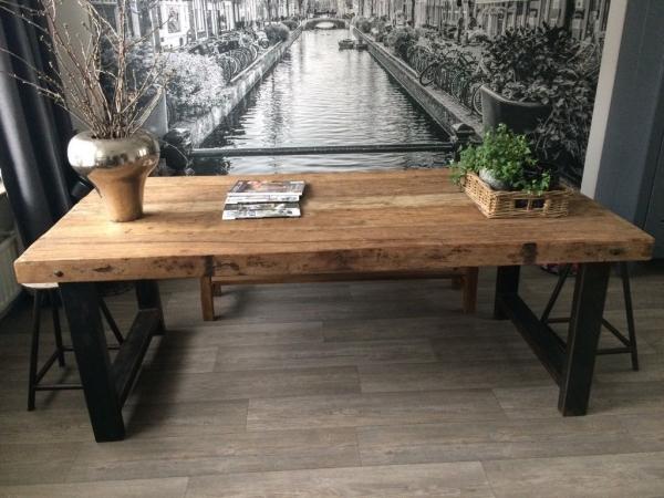 Teakhouten Tafel Met Stalen Poten.Bekijk De Showroom Van Het Teakmagazijn Of Kom Langs In Waddinxveen
